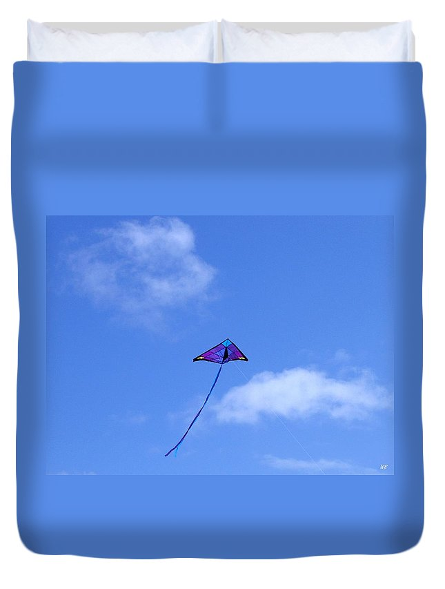 #soaring Duvet Cover featuring the photograph Soaring by Will Borden