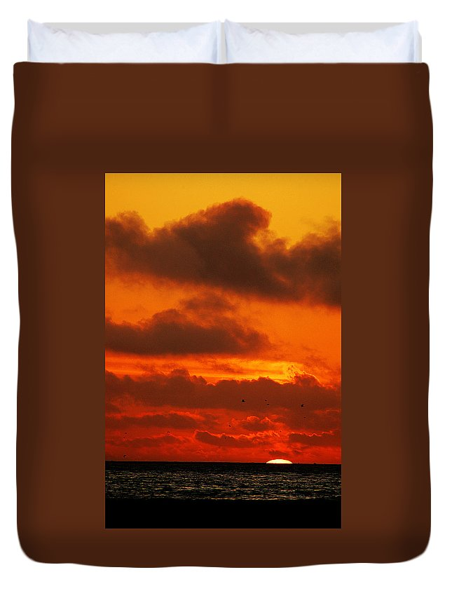 Clay Duvet Cover featuring the photograph Socal Sunset by Clayton Bruster