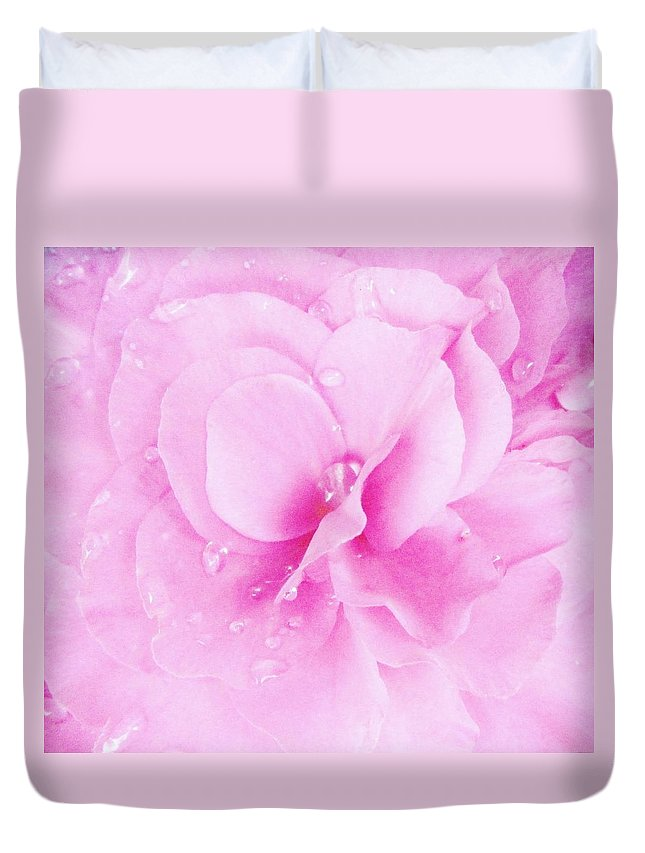 Floral Macro Duvet Cover featuring the photograph Softness 2 by Sharon Ackley