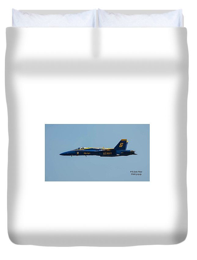 Duvet Cover featuring the photograph Solo by Dianna Lantz-Power