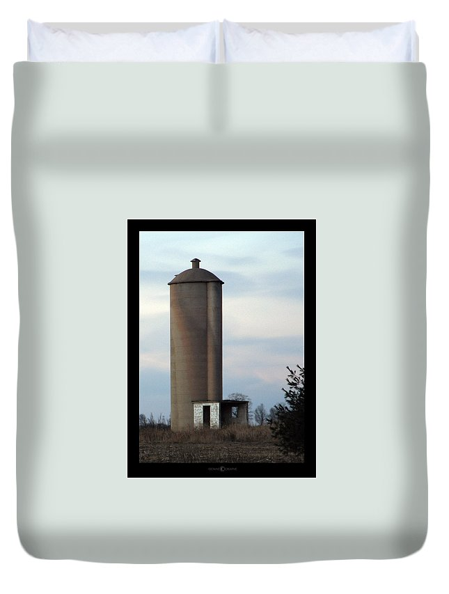 Silo Duvet Cover featuring the photograph Solo Silo by Tim Nyberg