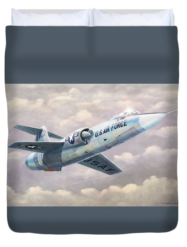 Military Duvet Cover featuring the painting Solo Starfighter by Douglas Castleman