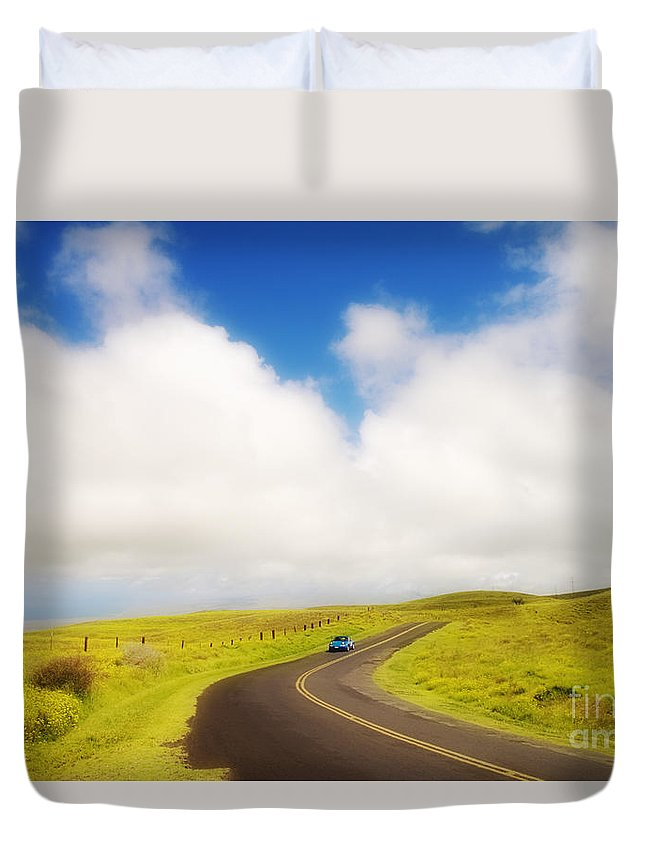 Afternoon Duvet Cover featuring the photograph South Kohala by Greg Vaughn - Printscapes