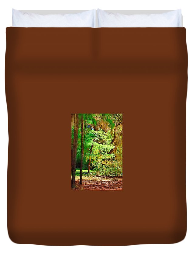 Woods Duvet Cover featuring the photograph Southern Forest by Donna Bentley