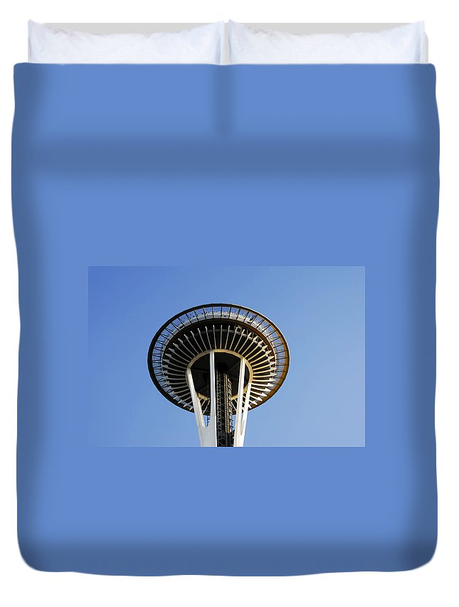 Space Needle Duvet Cover featuring the photograph Space Needle by David Lee Thompson