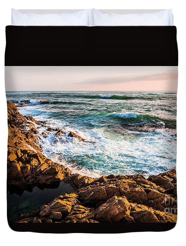 Ocean Duvet Cover featuring the photograph Splash Of Colour by Jorgo Photography - Wall Art Gallery