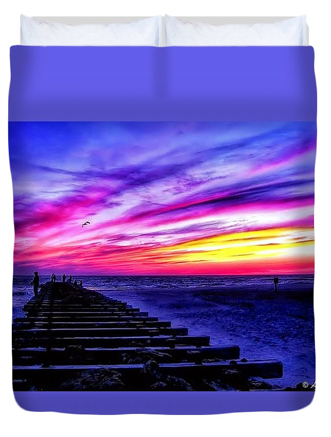 Sunset Duvet Cover featuring the photograph Splash Of Heaven by Araceli Molina