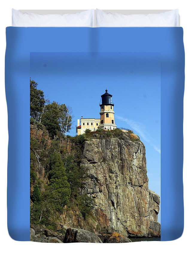 Lighthouse Duvet Cover featuring the photograph Split Rock 3 by Marty Koch