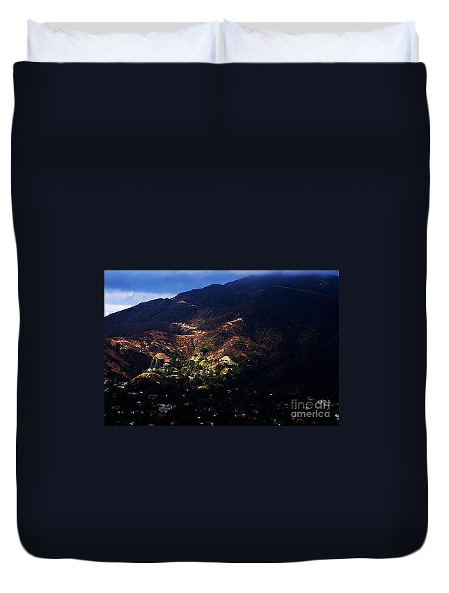Clay Duvet Cover featuring the photograph Spotlight From The Heavens by Clayton Bruster
