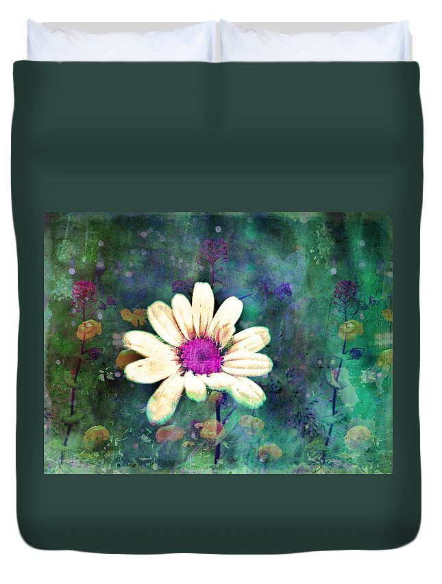 Wall Art Duvet Cover featuring the photograph Spring Daydreams by Tara Turner
