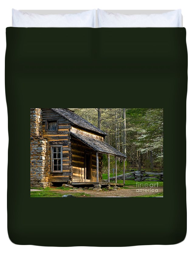 The Great Smokey Mountians National Park Duvet Cover featuring the photograph Spring In The Smokies by Tony Bazidlo