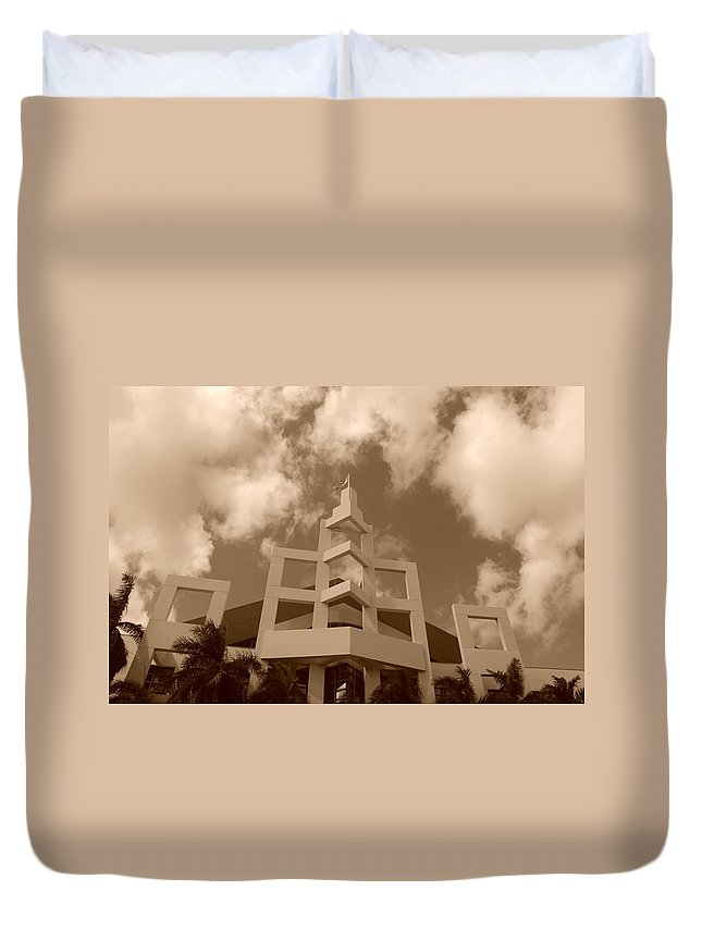 Architecture Duvet Cover featuring the photograph Squares In The Sky by Rob Hans