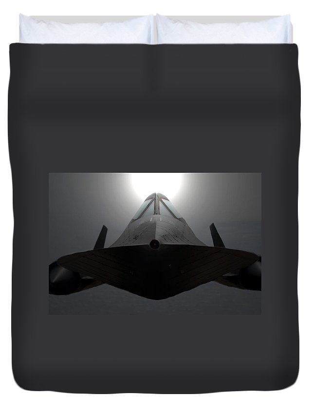 S R 71 Blackbird Duvet Cover featuring the photograph Sr 71 Night Mission by David Lee Thompson