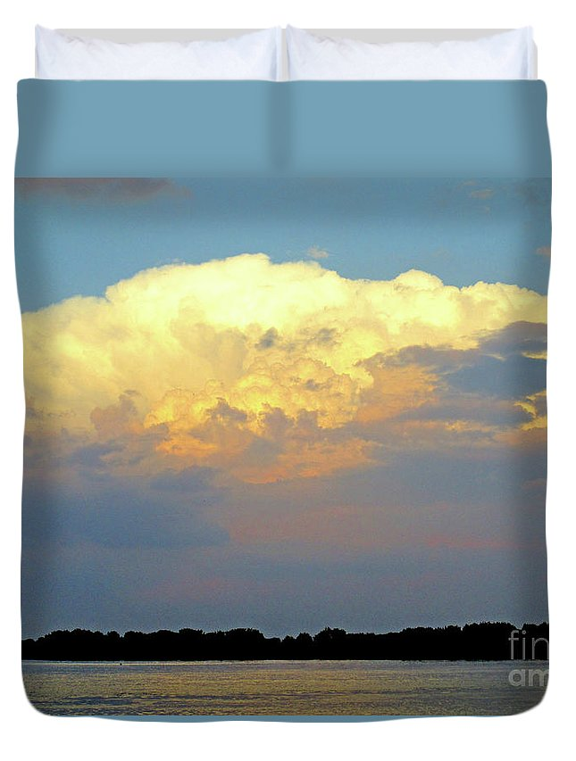 Montreal Duvet Cover featuring the photograph St Lawrence Sunset 4 by Randall Weidner