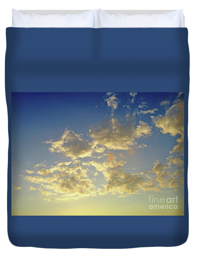 Montreal Duvet Cover featuring the photograph St Lawrence Sunset 6 by Randall Weidner