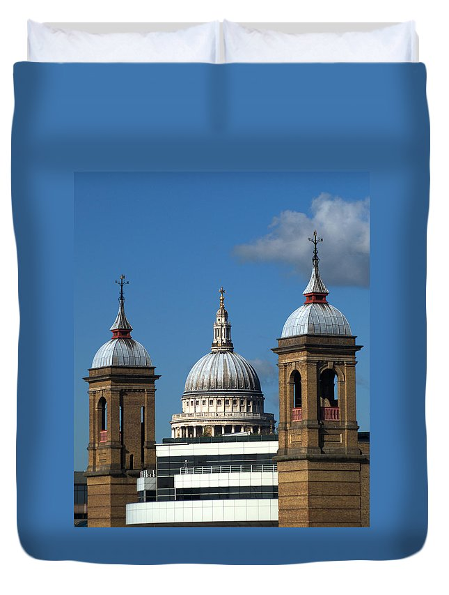 St Pauls Duvet Cover featuring the photograph St Pauls An Alternate View by Chris Day