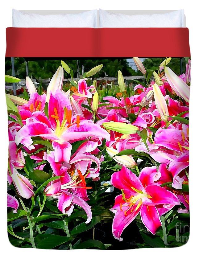 Digital Duvet Cover featuring the photograph Stargazer Lilies #5 by Ed Weidman