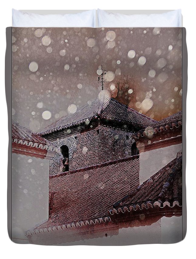 Snow Duvet Cover featuring the photograph Starting To Snow by Clare Bevan