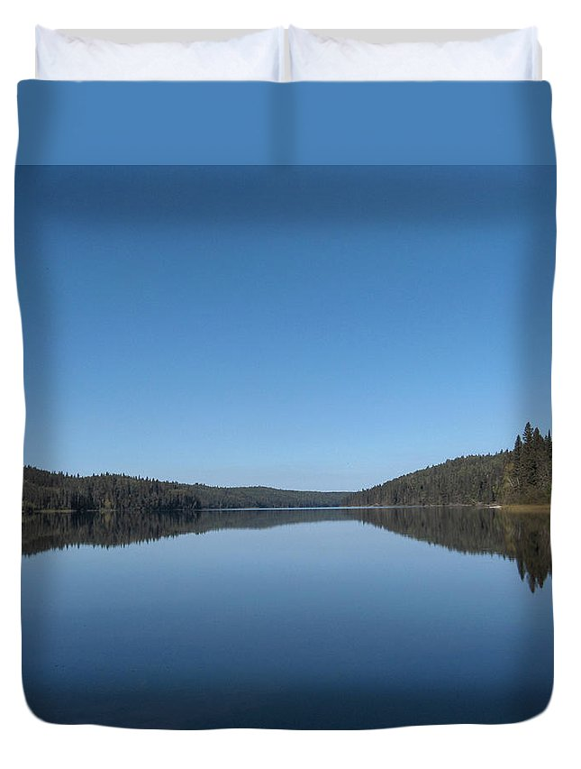 Lake Water Steepbanks Trees Still Scenery Forest Hills Duvet Cover featuring the photograph Steepbanks Lake by Andrea Lawrence