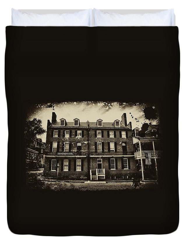 Harpers Ferry Duvet Cover featuring the photograph Stephenson's Hotel - Harpers Ferry by Bill Cannon