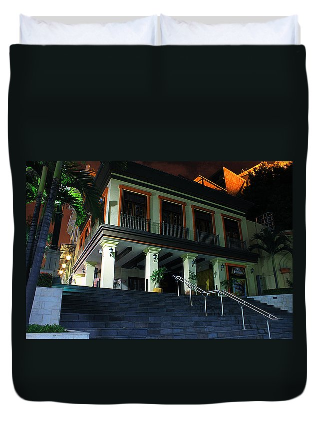 Home Duvet Cover featuring the photograph Stepping Up by Francisco Colon