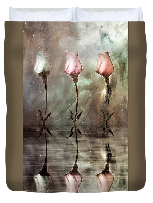Floral Duvet Cover featuring the photograph Still by Jacky Gerritsen