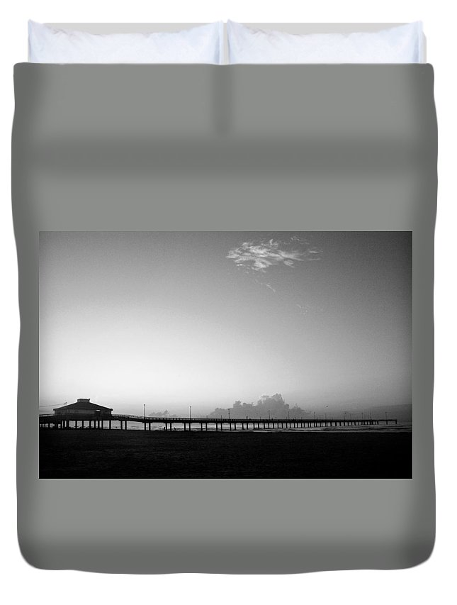 Sunrise Duvet Cover featuring the photograph Stillness Befor Dawn by Marilyn Hunt