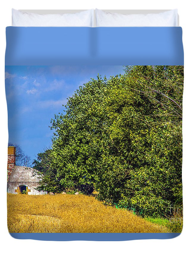Wheat Duvet Cover featuring the photograph Storage House by Roberta Bragan