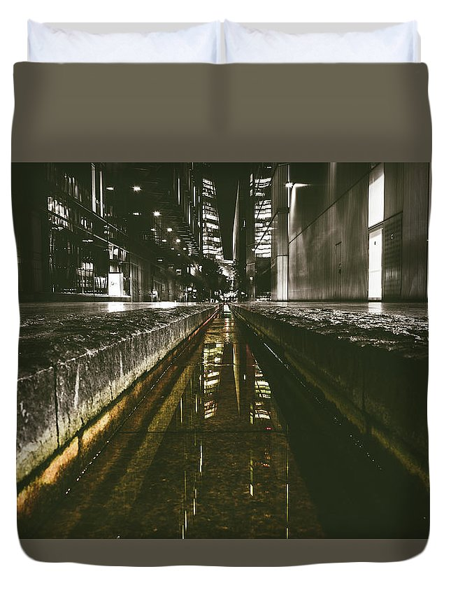 Landscape Duvet Cover featuring the photograph Street Level - 2016/us/03 by Franklin Ambo