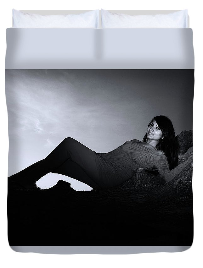 London Duvet Cover featuring the photograph Such A Shame by Jez C Self