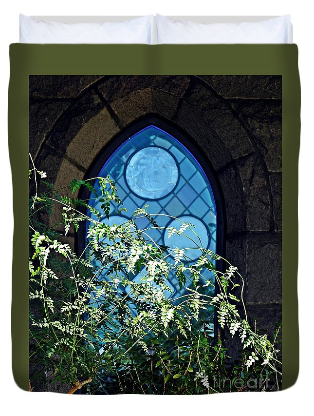 Cloister Duvet Cover featuring the photograph Summer Gardens At The Cloisters 7 by Sarah Loft