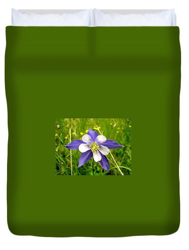 Plant Duvet Cover featuring the photograph Summer In The Rockies by Carol Milisen