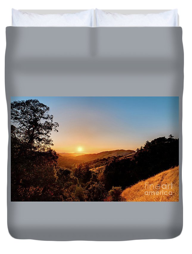 Beauty In Nature Duvet Cover featuring the photograph Summers End by Dean Birinyi