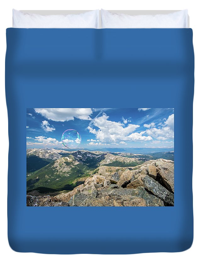 Landscape Duvet Cover featuring the photograph Summit Bubbles - Yale by Rob Lantz