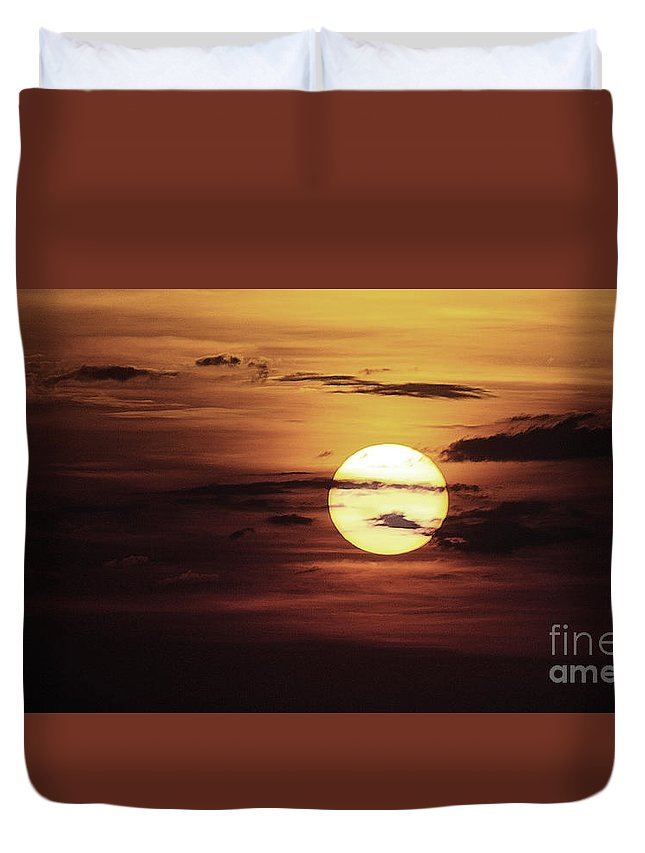 Sun Duvet Cover featuring the photograph Sun 31 by Ben Yassa