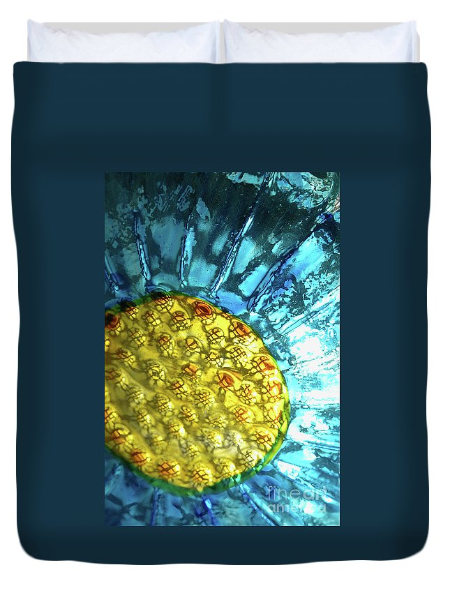 Glass Duvet Cover featuring the photograph Sun Daisy by Jerry McElroy