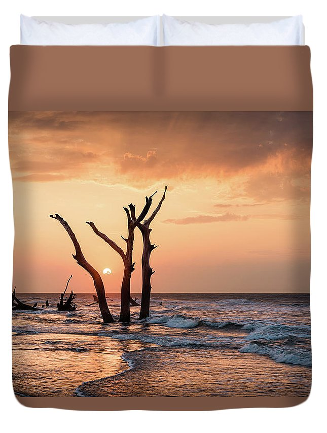 Sunrise Duvet Cover featuring the photograph Sun Is Up by Ivo Kerssemakers