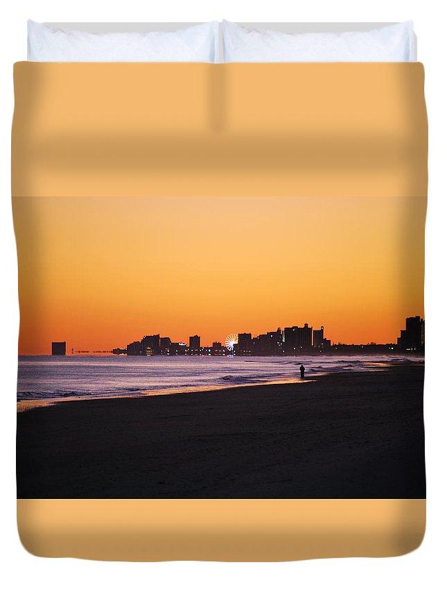 Sun Set Myrtle Beach Duvet Cover featuring the photograph Sun Set Myrtle Beach by Allen Mabe