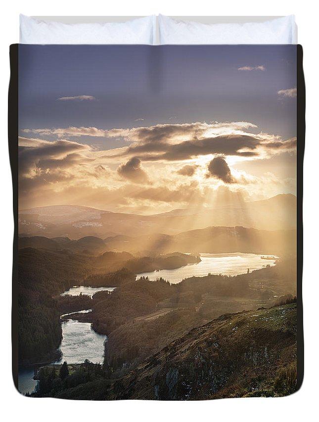 Sunburst Duvet Cover featuring the photograph Sunburst Over Loch Ard 2 by Rod McLean