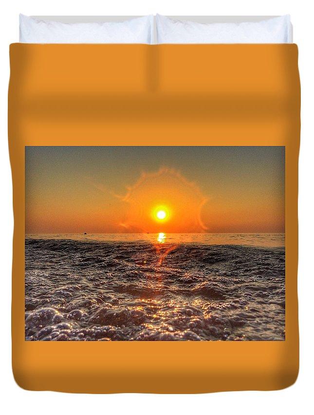 Sunset Duvet Cover featuring the photograph Sunburst Sundown by Nick Heap