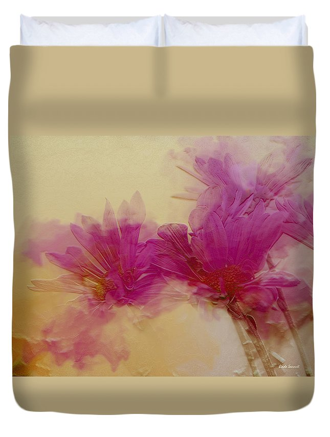 Flowers Duvet Cover featuring the photograph Sundance by Linda Sannuti