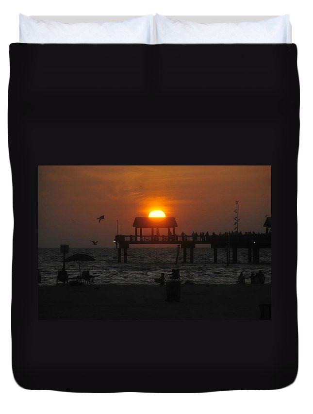 Sunset Duvet Cover featuring the photograph Sundown by David Lee Thompson