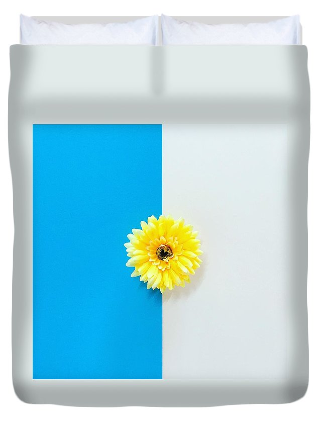 Flower Duvet Cover featuring the photograph Sunflower by Ann Foo