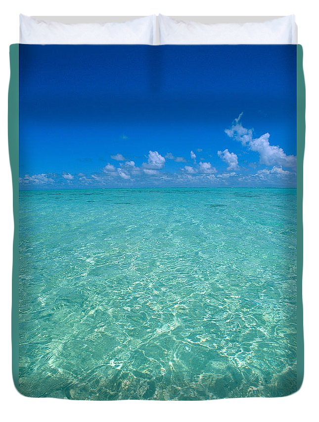 Amaze Duvet Cover featuring the photograph Sunlight Reflections by Greg Vaughn - Printscapes