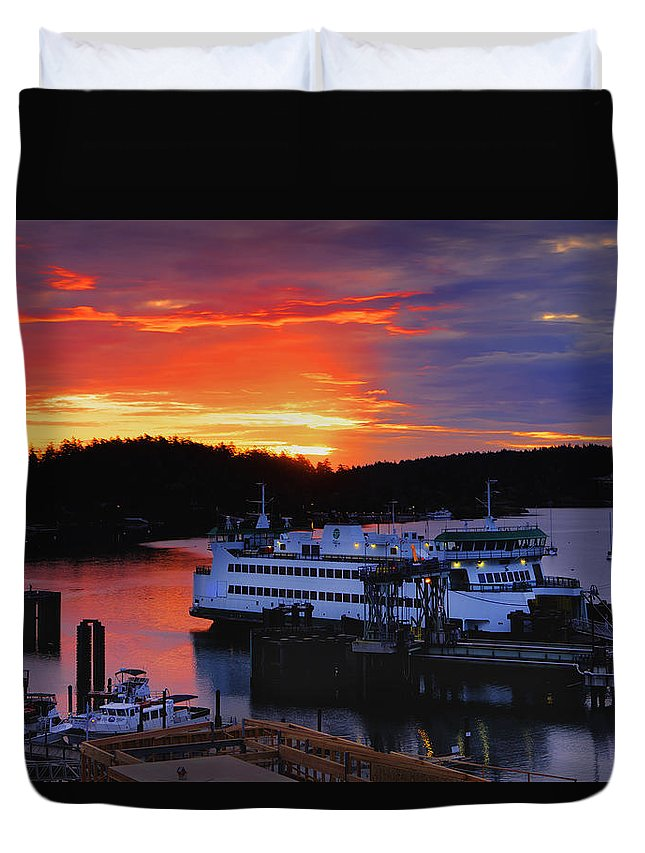 Friday Duvet Cover featuring the photograph Sunrise At Friday Harbor by Bob Stevens