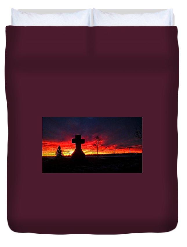 Sunrise Duvet Cover featuring the photograph Sunrise by Justin Parkinson