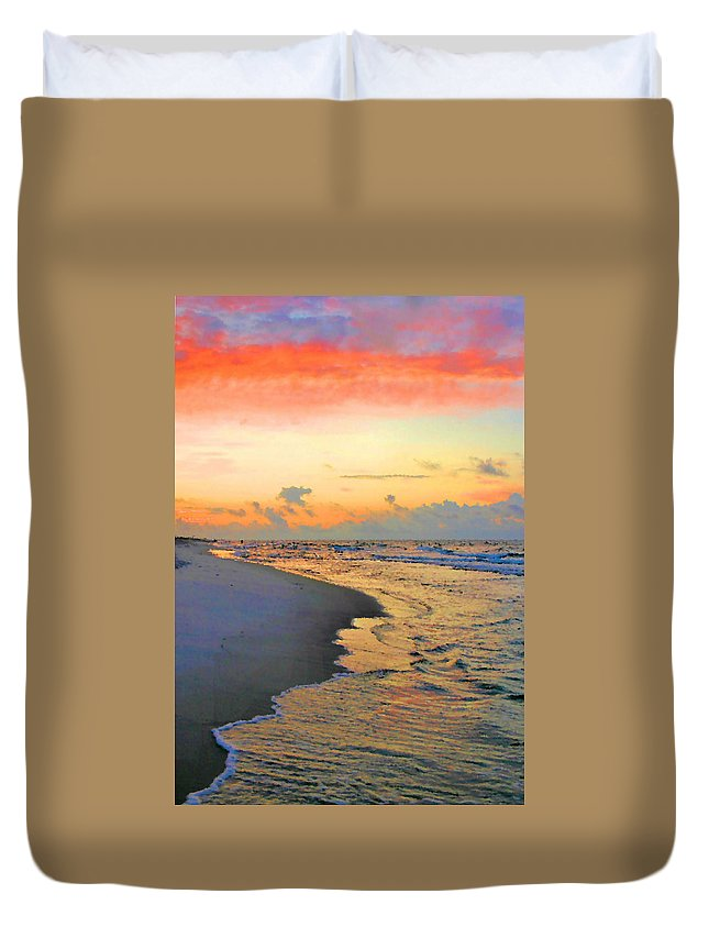 Sunrise Duvet Cover featuring the photograph Sunrise On The Gulf by Kristin Elmquist
