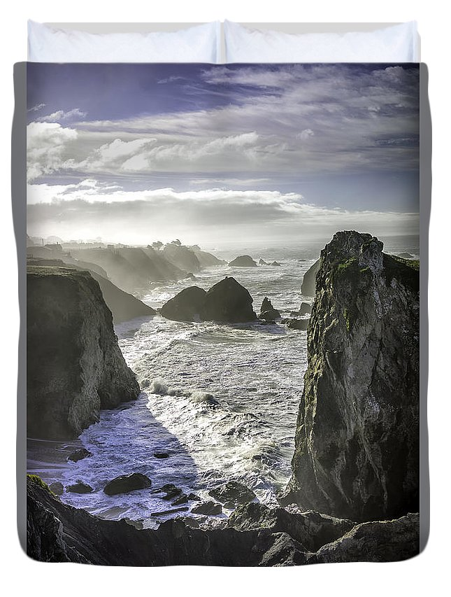 Pacific Duvet Cover featuring the photograph Sunrise On The Pacific Coast by Steve Holderfield