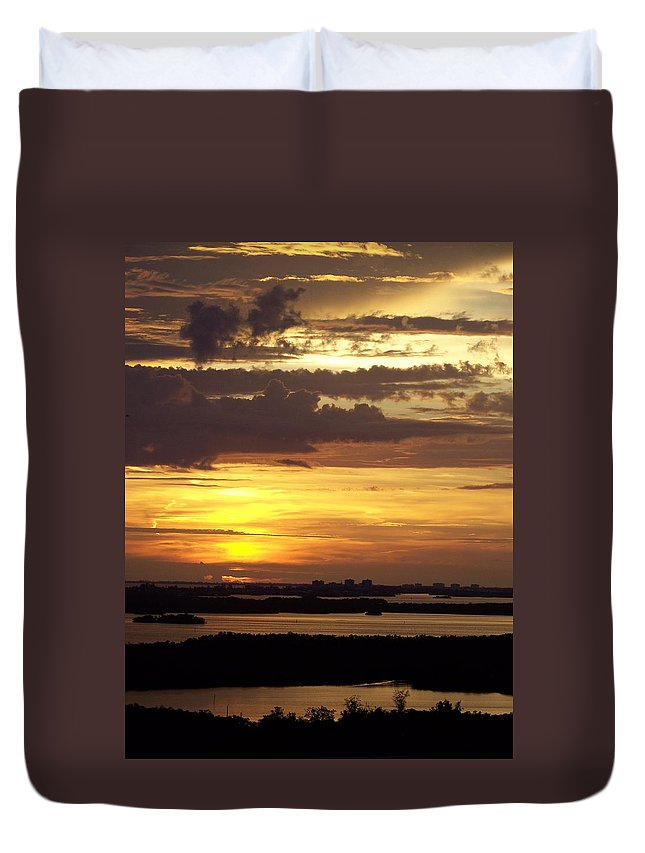Sunset Duvet Cover featuring the photograph Sunset 0001 by Laurie Paci