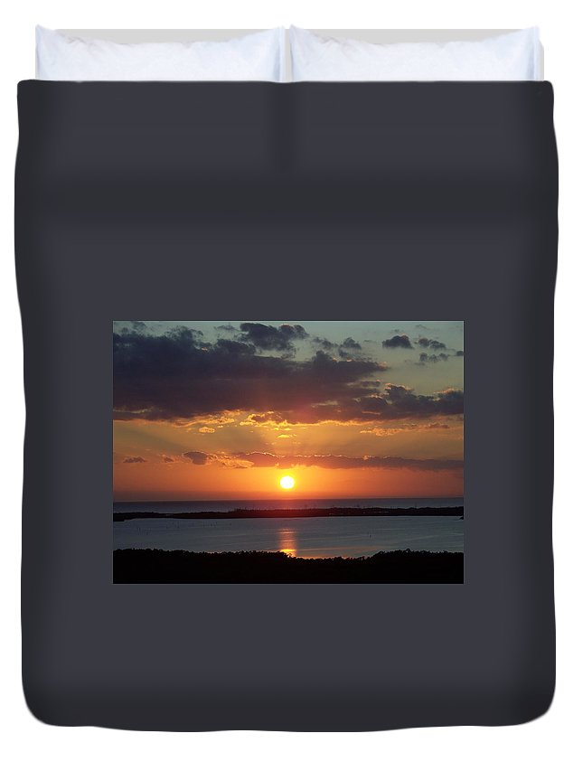 Sunset Duvet Cover featuring the photograph Sunset 0013 by Laurie Paci